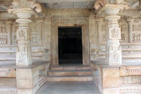 Amazing Temple Architecture at Hampi